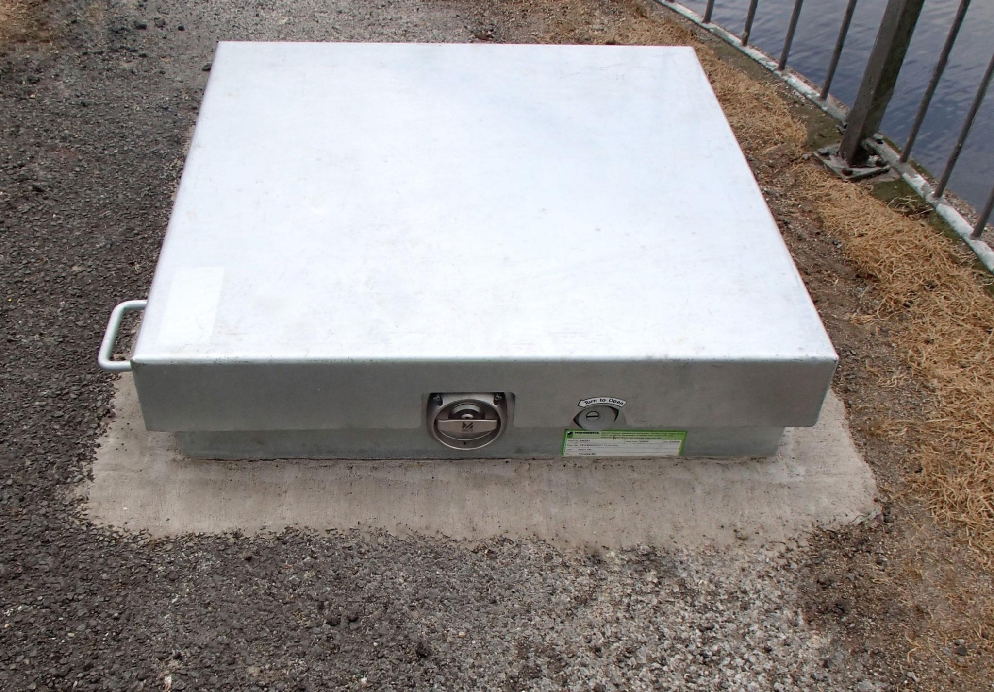 technocover-new-eeu-upstand-hatch